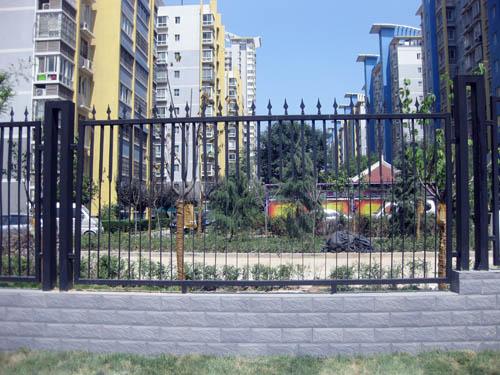 浐灞半岛小区铁艺围栏